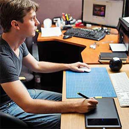 Web designer qui travaille